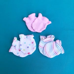Carter's Baby Girl three-pack cotton mittens NB